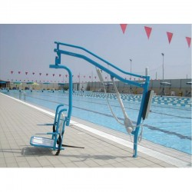 Sollevatore per piscina a Bussola